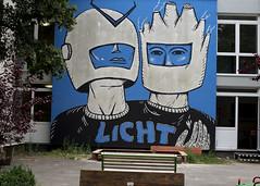 Licht (Blinkofanaye) Tags: nachbarschaftshauscentrumev cuvrystrase berlin kreuzberg art street kunst blue cosmonaut light
