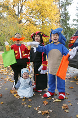 20141031_44395 (AWelsh) Tags: boy shadow evan ny halloween boys kids children costume kid child candy joshua trickortreat jacob sonic rochester doctor chow hedgehog chao elliott andrewwelsh eggman dreggman canon5dmkiii