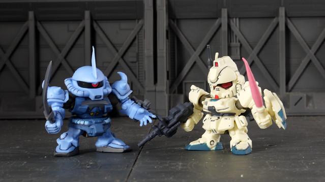 Gouf Custom VS. Gundam Ez8