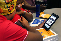 gc2016-tablet-portugueseL6900 (United Methodist News Service) Tags: oregon training portland technology unitedstates learning tablet instruction gc2016