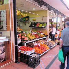 038 | Santa Cruz  La Recova (Mark & Naomi Iliff) Tags: espaa santacruz shop spain market espana tenerife greengrocer fuite larecova