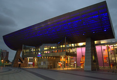 The Lowry (Tony Worrall Foto) Tags: county city uk england urban architecture modern night manchester lights evening design stream tour open place northwest theatre unitedkingdom dusk country north visit location made area northern update salford lowry attraction manc thelowry gmr welovethenorth