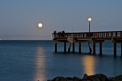 full moon, moonrise, Oyster Point, solstice, sunset (David McSpadden) Tags: fullmoon moonrise oysterpoint solstice sunset pier fisherman fisherpersons