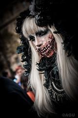 Zombie Walk (agu.macrophoto) Tags: portrait paris france blood zombie reporter makeup streetportrait streetphoto sang iledefrance maquillage manifestation zomby reportage déguisement 2014 zombiewalk falseblood cutezombie portraitderue fauxsang femmefrançaise marchezombie paris2014 portraitzombie