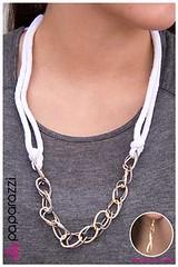 132_neck-whitekit3june-box01