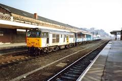 Wakefield Kirkgate, 15 March 1993 (elkemasa) Tags: 1993 wakefieldkirkgate class31