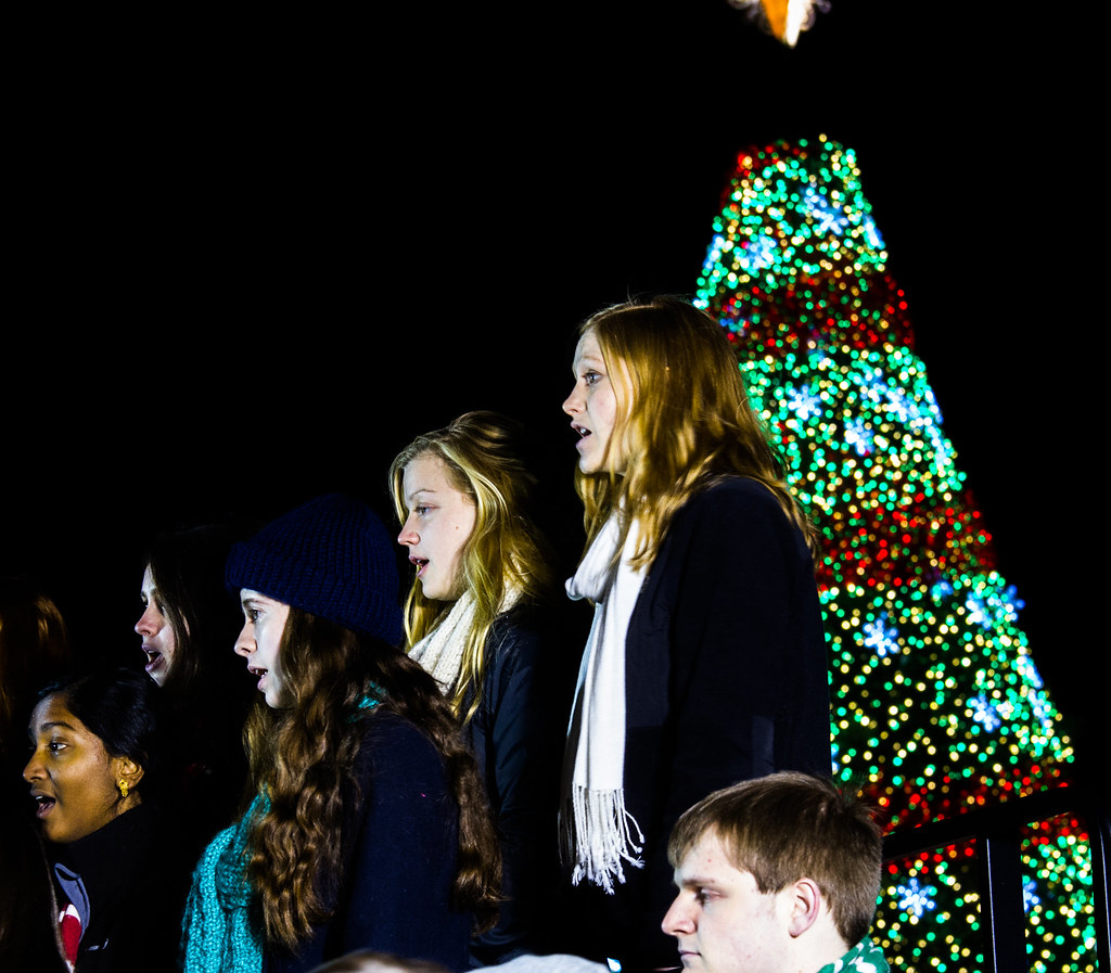 Lighted 8 Song Musical Holiday Christmas Carolers Choir: The World's Best Photos Of Carolers And Singing