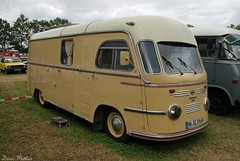 Matador Camper (Schwanzus_Longus) Tags: horse white beer beauty truck work vintage germany beige cab duty transport over engine goods creme german transportation vehicle van hook heavy camper motorhome tempo tow freight coe campervan haul flatbed lastwagen heavyduty matador haulage bockhorn cabover oldvintage caboverengine