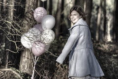 Suddenly in the Depths of the Forest (genevieve van doren) Tags: girl forest balloons suddenly ballons fille foret hdr flanders oostvlaanderen soudain beverenwaas