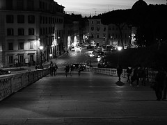 Roma_Notturno_236_1240 (Dubliner_900) Tags: rome roma scale stairs nightshot streetphotography olympus stairway step lazio notturno micro43 handshold omdem5markii mzuikodigitaled1240mm128pro