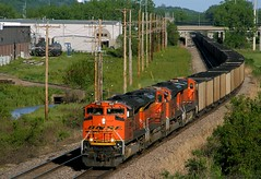 WB Coal Empties on the St. Joe (Jeff Carlson_82) Tags: railroad train riverside empty railway mo kansascity missouri kc coal railfan bnsf emd burlingtonnorthernsantafe coaltrain 9145 sd70ace stjoesub jhmx