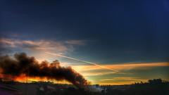 advinha dr. quem t de volta na praa (Rodrigo Alceu Dispor) Tags: city sunset sky cloud bird fire smoke praa fx volta quem est doutor advinha