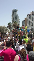 Tel Aviv Pride Hawaiian Float (Assaf Shtilman) Tags: drag march video tel aviv pride parade queen lgbt hawaiian float