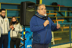 TUCAPEL VS WOLF__08 (loespejo.municipalidad) Tags: chile santiago miguel azul noche amarillo bruna silva deportes jovenes balon rm adultos alcalde competencia basquetbol loespejo