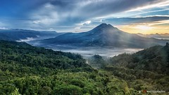Sunrise at Mount Batur in Bali. It was so foggy before, I did not expect to see the sun... I was lucky #bali #indonesia #volcano #vulkan #sunrise #sonnenaufgang #berge #mountains #mountain #foggy #fog #nebel #travel #travelphotography #landscape #p (janrudinsky) Tags: bali green sunrise indonesia square paradise squareformat sonnenaufgang indonesien vulkan agung iphoneography instagramapp uploaded:by=instagram
