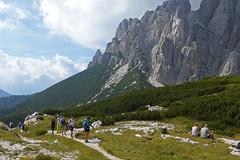 in forcella Moschesin (Tabboz) Tags: montagna dolomiti sentieri cima vetta trekking boschi mugo rifugio panorama valle roccia nuvole