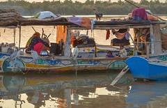 boat house of mohana (Cute Pakistan) Tags: mohnacookingatboat mohanacooking ladymohana boathouse riversind sindriver indusriver innocentbaby taunsabarrage mohanatrabe oldboathouse gameatboat 03007480117 akhtarhassankhan akhtarhassankhanphotography