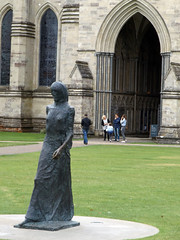 Salisbury Cathedral 2016 (Sweet Mango 1965) Tags: salisbury 2016 cathedral wiltshire architecture statue placeofworship