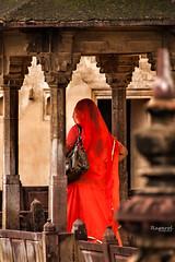Rojo (raperol) Tags: retrato rojo robado color india velo arquitectura airelibre mujer 2012 50d