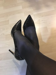 IMG_4262 (pantyhosestrumpfhose) Tags: pantyhose pantyhosefeet strumpfhose bestrumpftebeine nylon nylonlegs tights sheers shoe legs feet schuhe toe pantyhoselegs