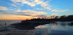 Delta de la Tordera (Albert T M) Tags: sunset atardecer nubes maresme ocaso blanes núvols postadesol desembocadura capvespre malgratdemar latordera ocàs riutordera
