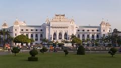 City hall, Yangon, Myanmar (maxunterwegs) Tags: building cityhall yangon burma townhall myanmar rathaus birma mairie rangoon prefeitura hôteldeville birmanie câmaramunicipal paçosdoconcelho birmania rangún rangoun cámaramunicipal rangum mahabandulapark mahabandulagarden yangonregion