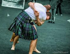 Paul Craig & Anton Antonov (FotoFling Scotland) Tags: male scotland kilt fife event wrestler grip hold ceres highlandgames kilted paulcraig scottishwrestlingbond wrestlingbond antonantonov