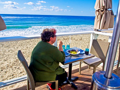 Beach Lunch December 2013 (k4eyv) Tags: ocean california lunch pacificocean sunnydays lagunabeachcalifornia olympusomde5 olympus1250mm43lens