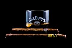 Sigari 7 (vittorio.zuccotto) Tags: stilllife whiskey uomo alcool jackdaniels nero gentleman montecristo bicchiere tabacco fumo ghiaccio liquido sigaro canon60d