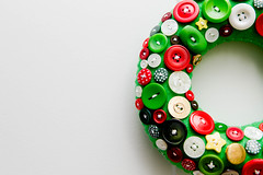 December 5, 2014 (La Flaf) Tags: home advent flash christmasdecorations 2014 buttonwreath pad14 octobox birdieandbeau
