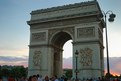 "Arc de Triomphe de l'Étoile at Sunset • <a style=""font-size:0.8em;"" href=""http://www.flickr.com/photos/29084014@N02/16036821285/"" target=""_blank"">View on Flickr</a>"