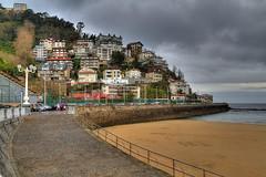 _MG_0839_40_41_tonemapped (Nacho Alexeric) Tags: de gris la san sebastian playa cielo invierno monte concha vasco chillida pais igueldo