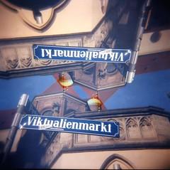 [alla ricerca del Bretzel pErdUto] (Urca) Tags: 120 6x6 mediumformat mnchen deutschland holga lomo doubleexposure squareformat germania doppiaesposizione analogico monacodibaviera 031220144005
