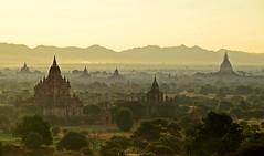 Sunrise in Bagan (jennifer.stahn) Tags: travel portrait lake balloons one fisherman burma leg myanmar inle birma mandalay bagan einbeinruderer