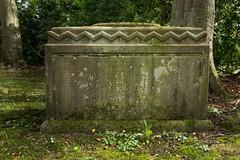 Sarcophagus (michael_hamburg69) Tags: friedhof cemetery germany deutschland hamburg sarcophagus sarkophag ohlsdorf grabmal ohlsdorferfriedhof gottesacker gildemeister