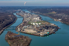 A view of Neville Island on the Ohio River in Pittsburgh from above (Dave DiCello) Tags: pittsburgh aerials pittsburghskyline downtownpittsburgh davedicello imagesofpittsburgh viewsofpittsburgh pittsburghprints pittsburghskylineimages aerialpittsburgh pittsburghfromtheair aerialviewsofpittsburgh