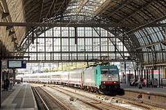 20160506 NMBS 2815 + I10/I6, Amsterdam CS (Bert Hollander) Tags: cobra nederland mat type loc i10 oud amsterdamcentraal asd trein nsi traxx nmbs locomotief ledig i6 eloc 2815 rijtuigen br186 brusselaar nsinternational 186207 79235asdwgm