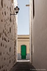 La puerta verde. The green door (Juanma Hdez) Tags: door architecture arquitectura puerta