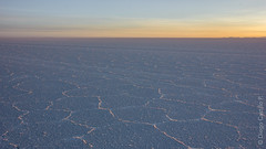 Amanecer en Uyuni (diego.castillop) Tags: southamerica dawn bolivia amanecer cracks salar sal altiplano sudamerica uyuni saltflat potosi salardeuyuni danielcampos diegocastillo uyunisaltflat canont2i