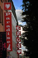 Rote Nebenstrae (Rdiger Stehn) Tags: germany deutschland europa stadtmitte stadt bauwerk gebude kiel innenstadt schleswigholstein norddeutschland mitteleuropa strase profanbau 2000er canoneos550d kielaltstadt
