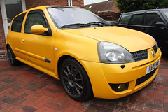 LY 182 28-06-16 003 (AcidicDavey) Tags: yellow clio renault liquid 182 renaultsport