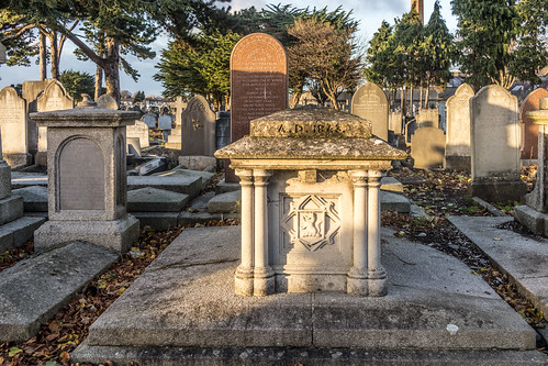 Mount Jerome Cemetery & Crematorium is situated in Harold's Cross Ref-100453