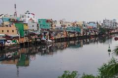 Sur les Rives du Mekong (Montre ce qu'il voit!) Tags: asia streetphotography vietnam asie southeast saigon hochiminhcity hcmc urbanlandscape photoderue paysageurban pentaxk5 julienvidal
