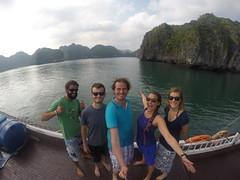 Photo de 14h - Avec Maxime, Anaïs et Ronan sur le bateau (Baie d'Along) - 22.11.2014