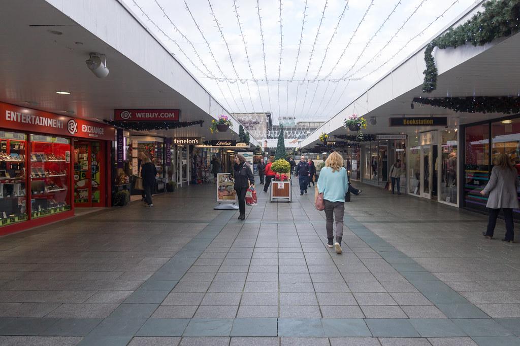 Stillorgan Shopping Centre - Stillorgan Village Ref-100115