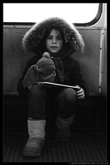 Una bambina [People on the tram / Persone sul tram] (MaxDeVa) Tags: leica winter bw me voigtlander tram f11 nokton m9 carlotta
