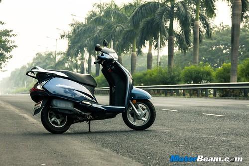 2015-Honda-Activa-125-1