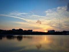 2016-05-15 18.18.18 (pang yu liu) Tags: park sunset pond dusk 05 may daily  pate    2016