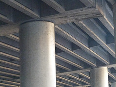 A12751 / stopped in traffic under 280 freeway (janeland) Tags: sanfrancisco california november abstract columns diagonal overhead dogpatch offramp 2015 94107 stoppedintraffic noncoloursincolour 280freeway pe0106