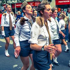 Zinneke Parade 2016 - Crash (saigneurdeguerre) Tags: brussels 3 canon europa europe belgium belgique mark iii belgi bruxelles parade ponte 5d brssel brussel belgica bruxelas hoboes belgien zinneke 2016 aponte zinnode antonioponte ponteantonio saigneurdeguerre
